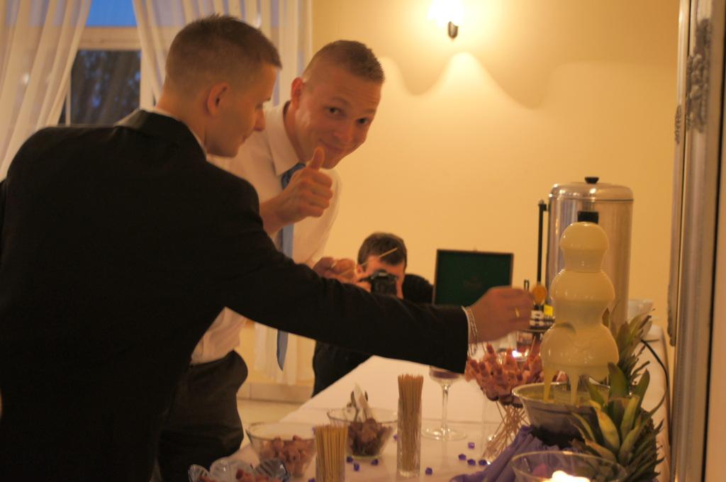 fontanna serowa, fondue serowe, fontanna z serem Staropolski Olszówka, Koło, Turek, Łódź, Kalisz, Konin