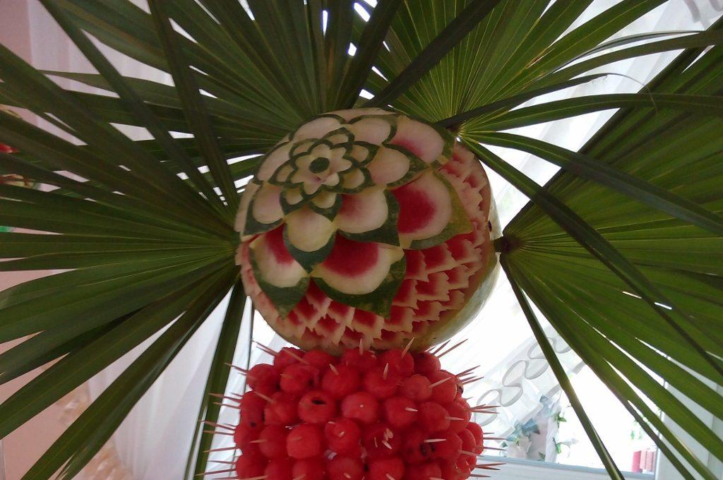 fruit carving, dekoracje owocowe, rzeźbione arbuzy, Turek, Łódź, Kalisz, Koło, Konin
