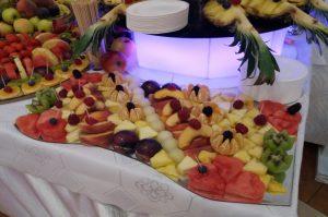 owoce na imprezę, lustro z owocami, lustra owocowe, stół z owocami, fruit carving Koło, Turek, Łódź, Konin, Kłodawa