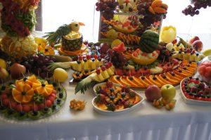 stół owocowy Klisza Wola Grzymkowa, fruit carving, stół z owocami, dekoracje owocowe , fontanna czekoladowa Klisza Wola Grzymkowa, carving Łódź