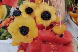 stół z owocami, bufet owocowy dekoracje owocowe Hacjenda Malanów, STÓŁ OWOCOWY Hacjenda Malanów