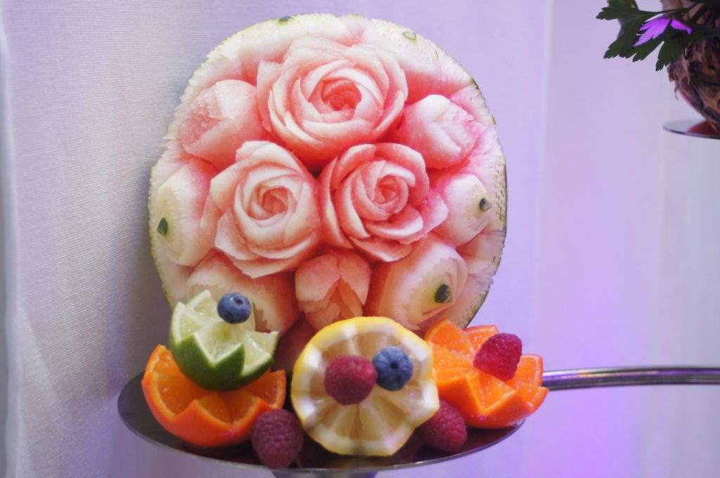 stół z owocami, dekoracje z owoców, stół owocowy, fruit carving Koło, Turek, Łódź, Warszawa.JPG