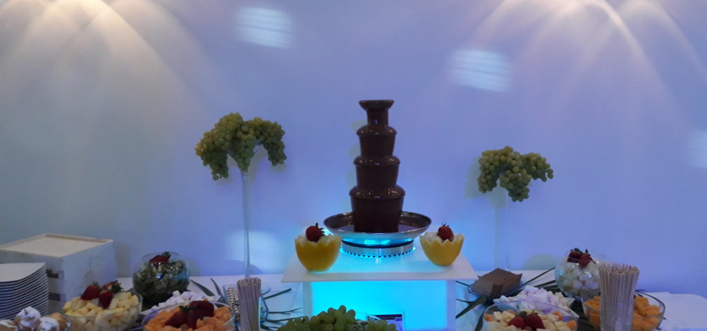 fontanna czekolady i owoce Rzgów, fontanna czekoladowa Łódź, fontanna czekoladowa Pabianice, fontanna z czekolady Cristal Rzgów