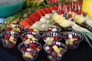 stół owocowy na 18stkę Koło, stół z owocami Kłodawa, fontanna czekoladowa Turek