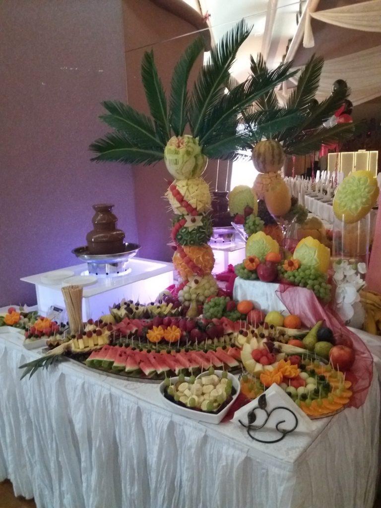 stół z owocami Rogoźno, fontanna czekoladowa Maggi Rogoźno, dekoracje owocowe, fruit carving, atrakcje na 18stkę