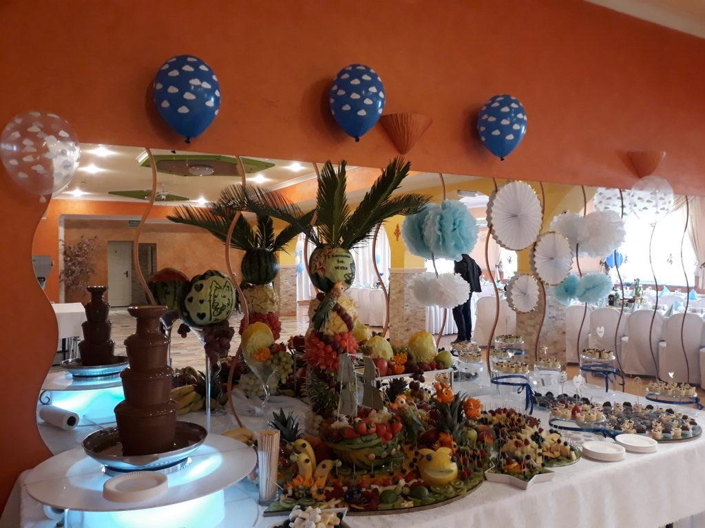 fontanna czekoladowa, stół owocowy, candy bar, dekoracje owocowe, dekoracje balonowe na I Komunię Koło, Turek, Izbica kuj