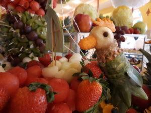 fruit bar, stół owocowy, candy bar, dekoracje owocowe, dekoracje balonowe na I Komunię Koło, Turek, Izbica kuj., Konin