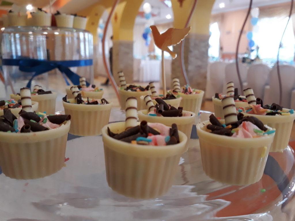 słodkości na komunię, słodki stół, candy bar na Komunię, Koło, Turek, Konin, Września, Słupca
