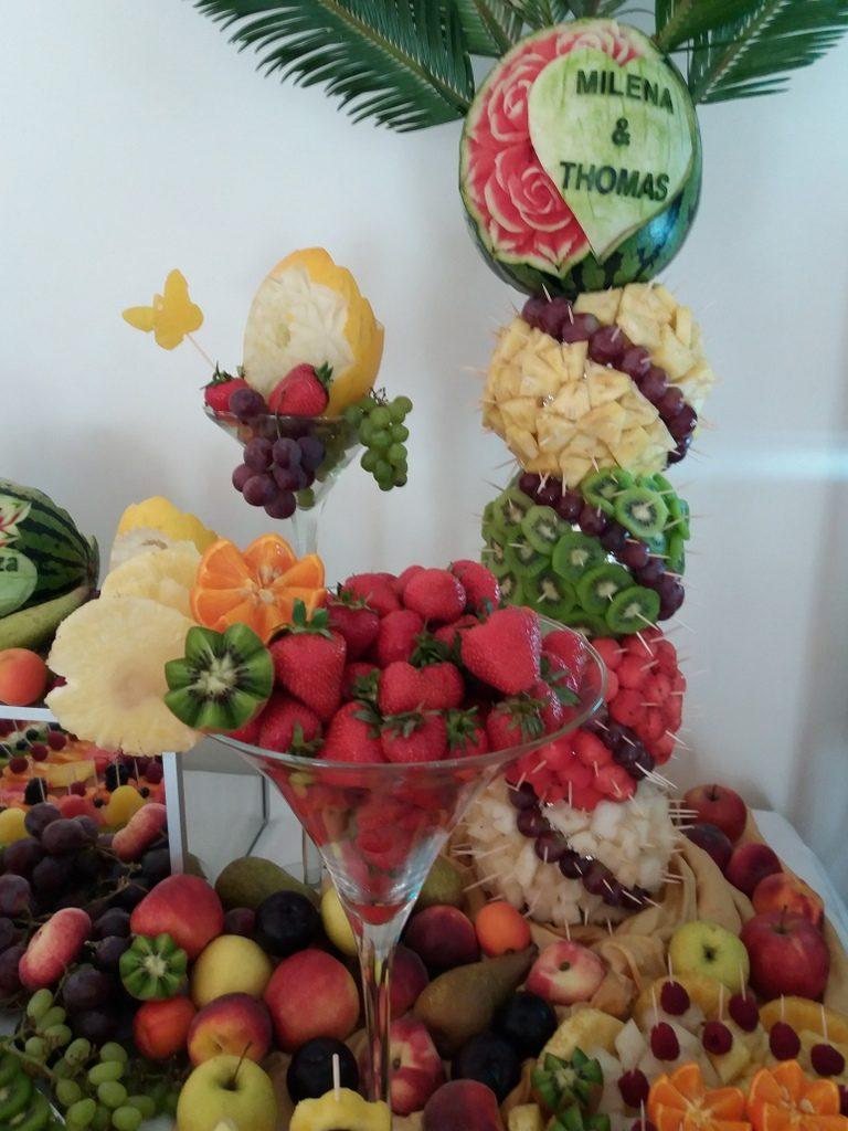 bufet owocowy, fruit carving, fruit bar, fontanna czekoladowa Biały Pałac Konstantynów Łódzki