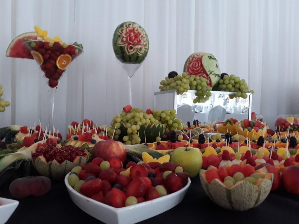 fruit carving, bufet owocowy, stół owocowy, dekoracje owocowe, fruit bar Łódź