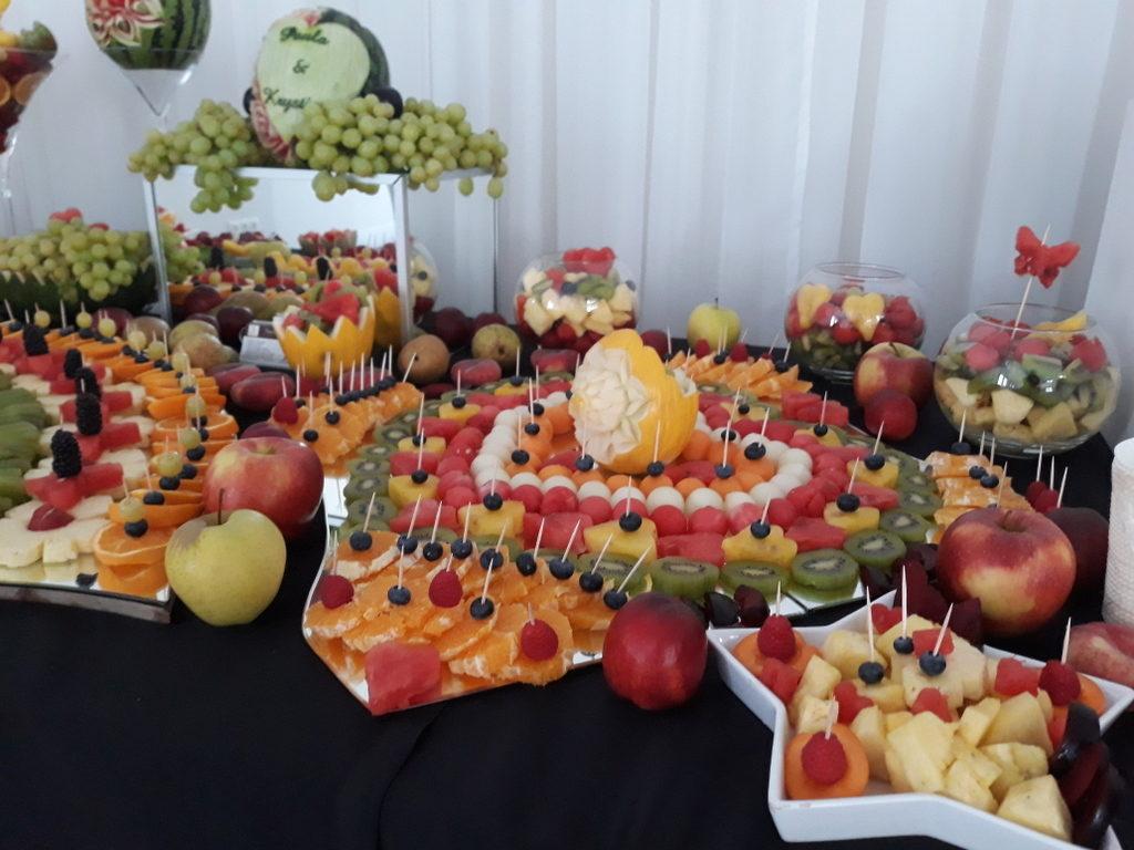 fruit carving, bufet owocowy, stół owocowy, dekoracje owocowe, fruit bar koło, konin, turek
