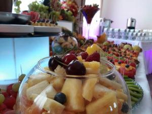 owoce na imprezę, owocowy bar, fruit bar, dekoracje owocowe Zajazd Europejski Turek