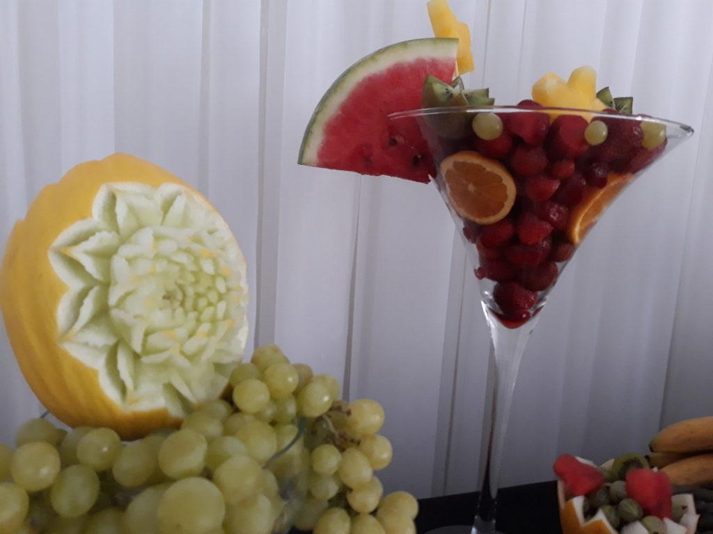 stół owocowy, fruit carving, bufet owocowy, dekoracje owocowe, fruit bar Ligrana Palace