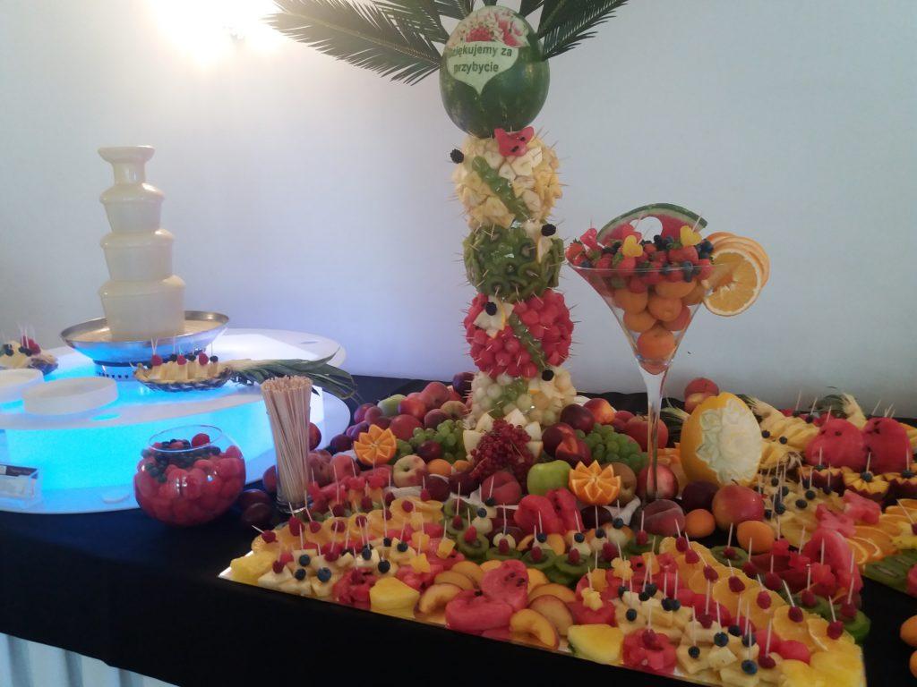 fontanna czekoladowa, dekoracje owocowe, fruit carving, stół owocowy, fruit bar, palma owocowa, Poznań, Łódź, Turek, Konin, Kalisz