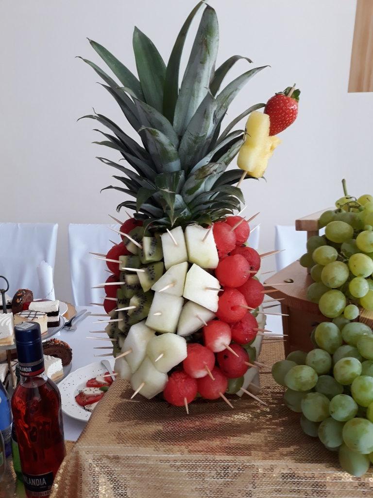 dekoracje owocowe, fruit carving, ananas, owoce na stoły, Turek, Konin, Koło, Łódź, Warszawa, Poznań