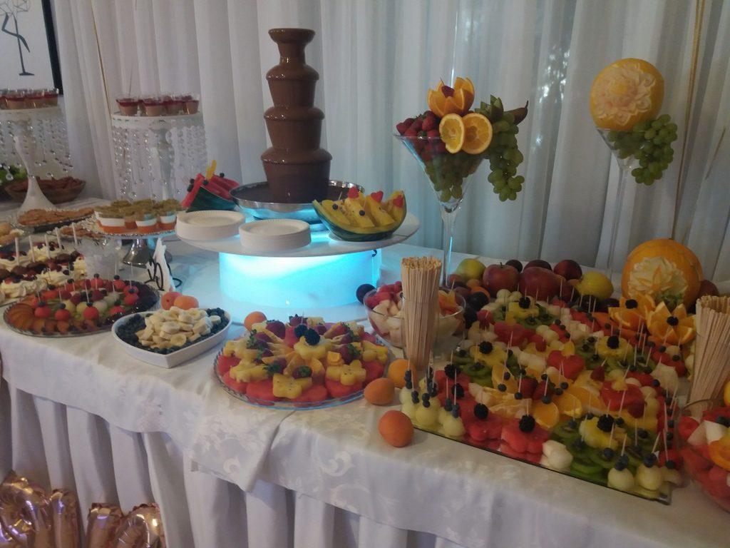 fontanna czekoladowa, fruit bar, palma owocowa, stół owocowy, dekoracje owocowe, fruit carving, Zacisze Domanin, Łódź, Kalisz, Turek