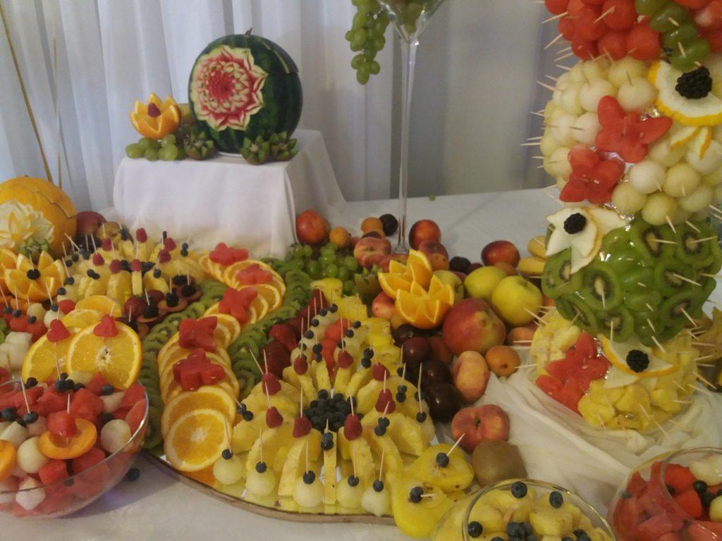 fontanna czekoladowa, stół owocowy, dekoracje owocowe, palma owocowa, fruit carving, fruit bar Zacisze Domanin, Łódź, Kalisz, Turek