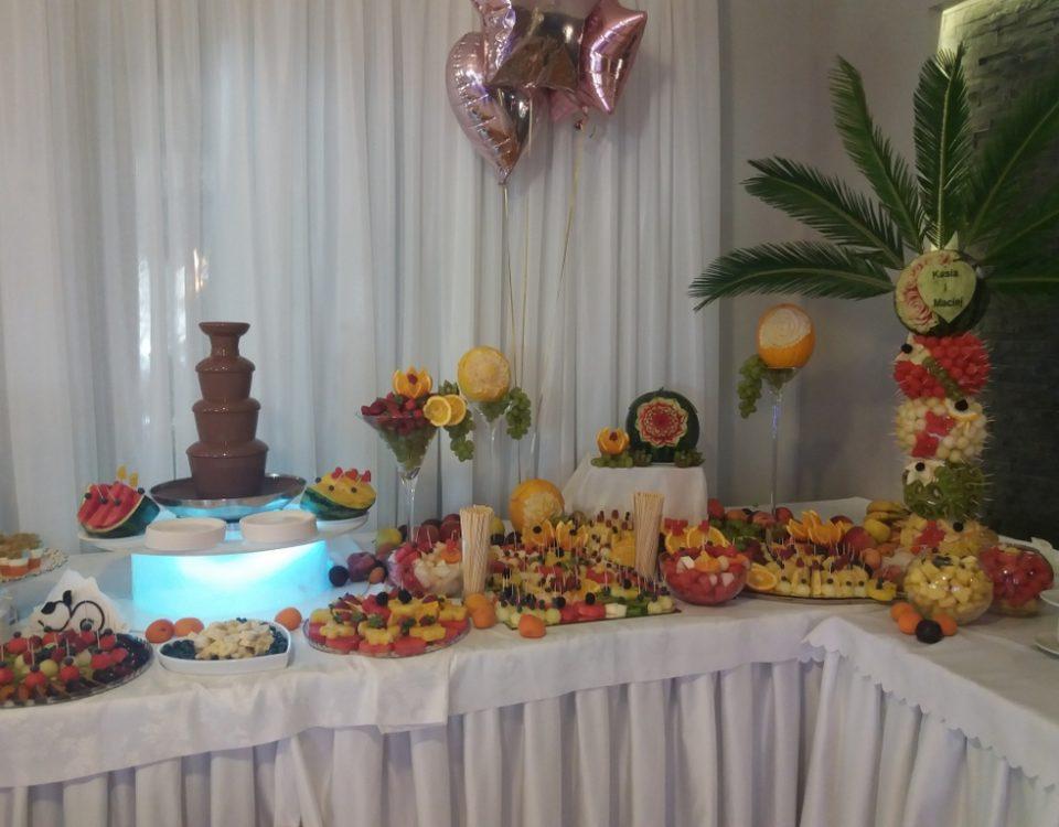 fontanna czekoladowa, stół owocowy rustykalny, dekoracje owocowe, palma owocowa, fruit carving, fruit bar Zacisze Domanin, Łódź, Kalisz, Turek