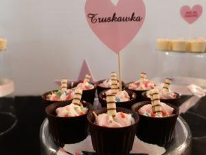 czekoladowe minideserki, słodki bar, słodki stół, deserki czekoladowe, fingerfood, shoot