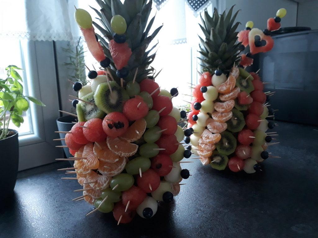 owoce na 18stkę, ananasy owocowe, owoce na przyjęcie, owoce na Chrzest Turek, Owoce na Roczek Konin, Owoce na wesele Turek