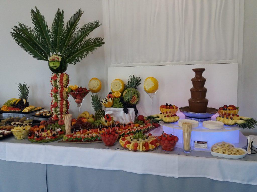 palma owocowa, stół owocowy, fontanna z czekoladą, fruit carving, fruit bar Czarny Staw Aleksandrów Łódzki