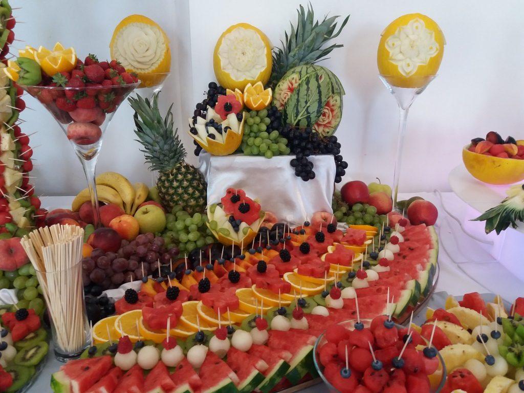stół owocowy, fontanna czekoladowa, fruit carving, fruit bar Czarny Staw Aleksandrów Łódzki
