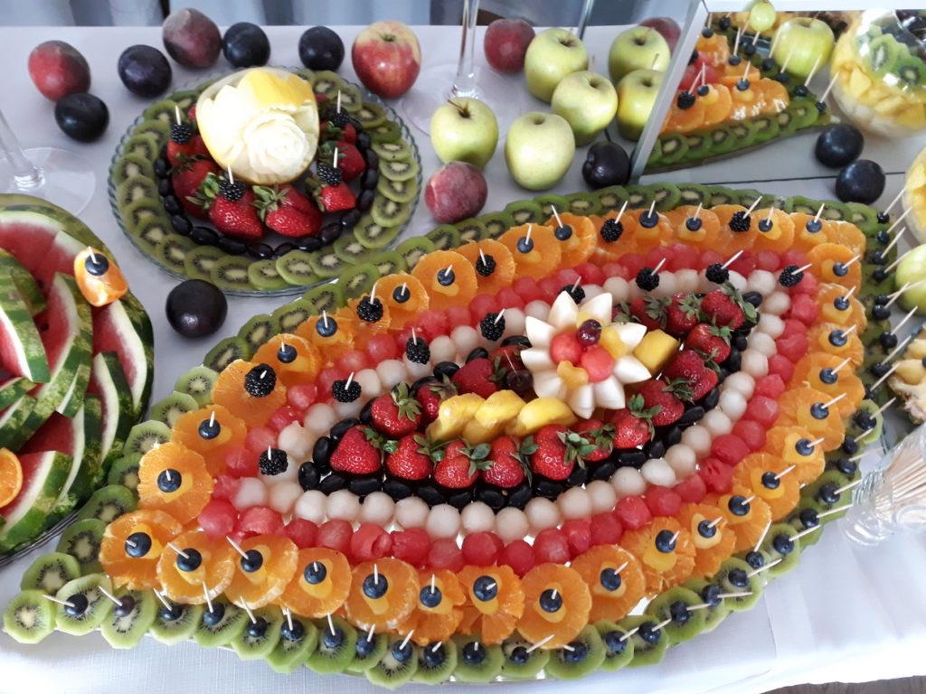 fruit carving, fruit bar, fontanna czekoladowa, palma owocowa, stół owocowy, dekoracje owocowe, bufet owocowy Łódź, Turek, Kalisz