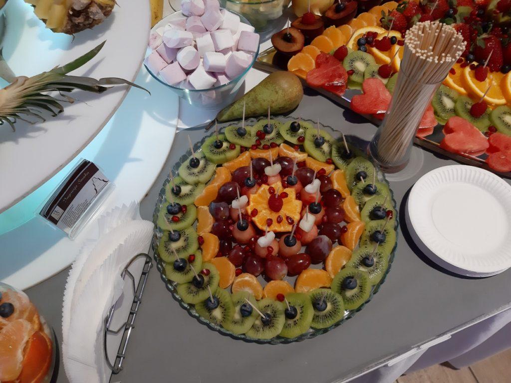 dekoracje owocowe, fruit carving, stół owocowy, fontanna czekoladowa, Konin, Turek, Słupca, Września