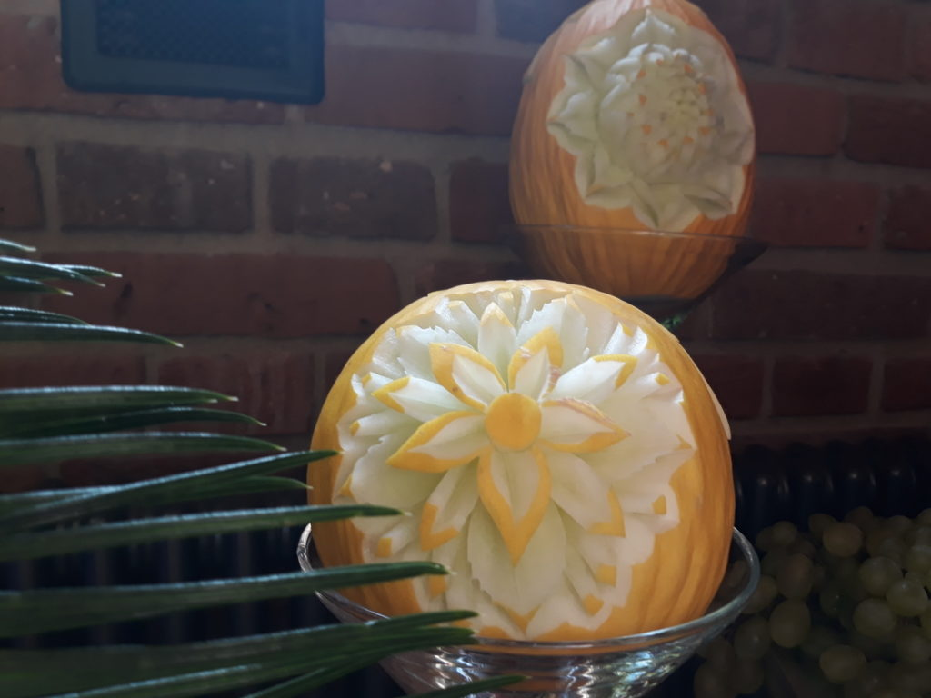dekoracje owocowe, stół z owocami, fruit bar, fruit carving, fontanna czekoladowa Turek, Konin, Kalisz