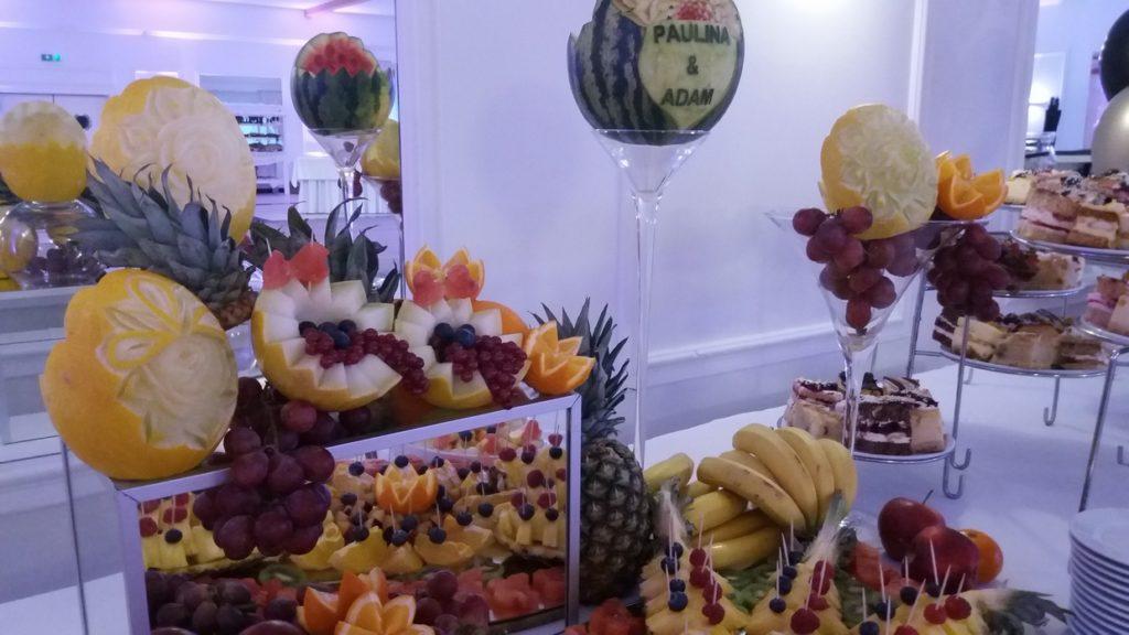 fruit carving, stół owocowy, dekoracje owocowe, bufet owocowy, palma owocowa Turek, Konin, Kalisz, Łódź