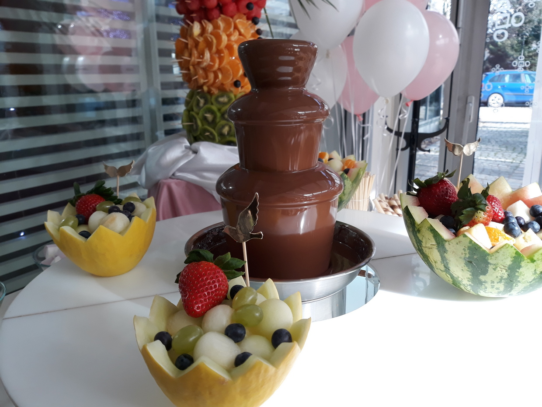 dekoracje owocowe, palma owocowa, fontanna czekoladowa na Chrzciny, Hotel Azyl Kąty Wrocławskie
