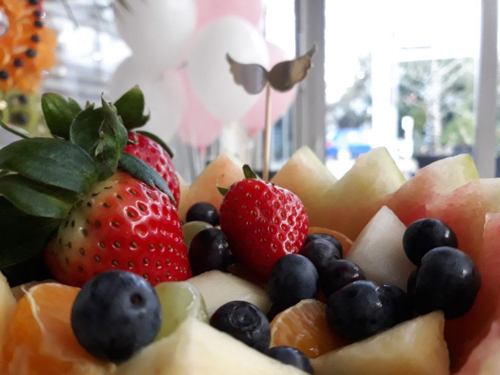 fontanna czekoladowa, dekoracje owocowe, palma owocowa na Chrzciny, Hotel Azyl