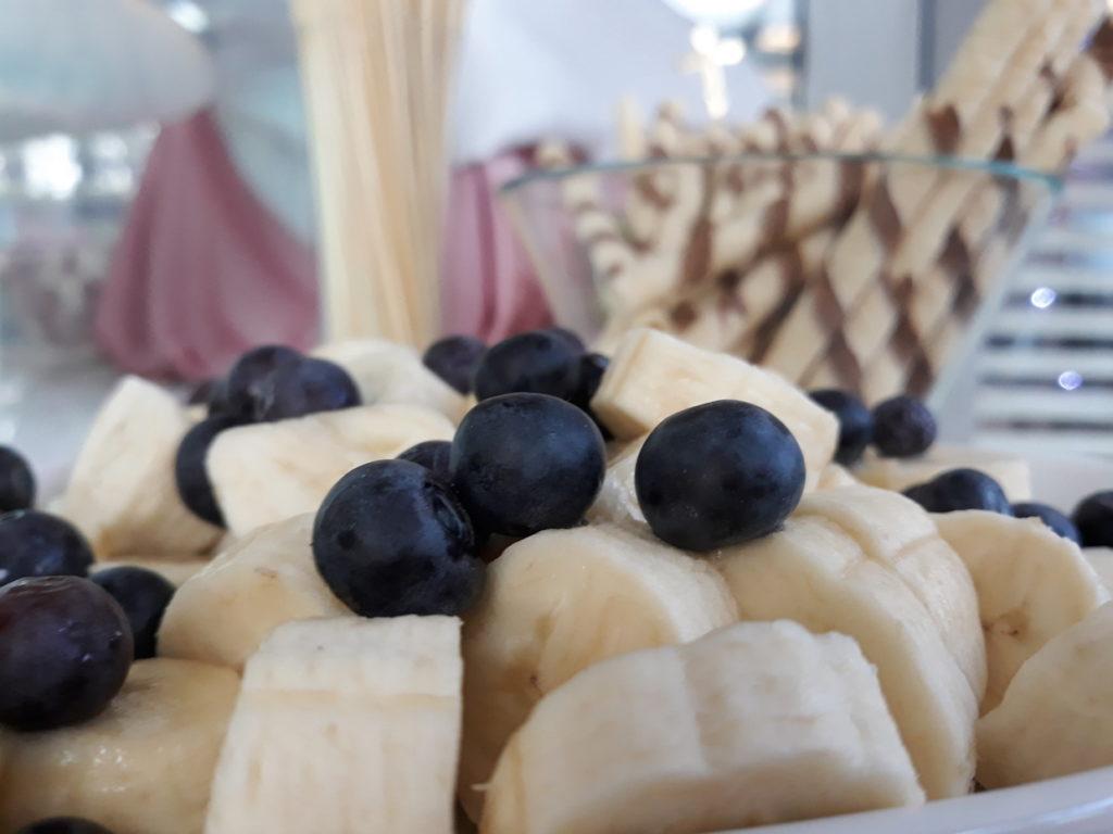fontanna czekoladowa na Chrzciny, dekoracje owocowe, palma owocowa na Chrzciny, Hotel Azyl