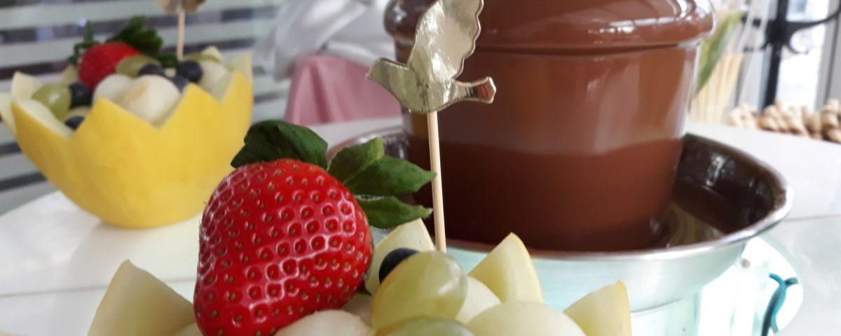 fruit carving, dekoracje owocowe, palma owocowa, fontanna czekoladowa na Chrzciny, Hotel Azyl Kąty Wrocławskie
