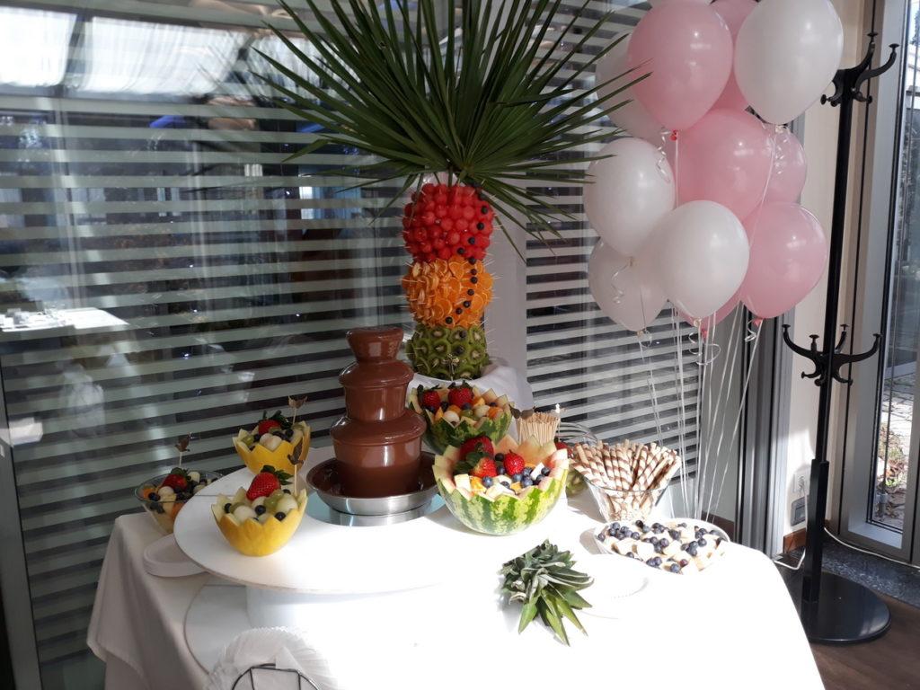 palma owocowa, fontanna czekoladowa na Chrzciny, dekoracje owocowe, Hotel Azyl Kąty Wrocławskie