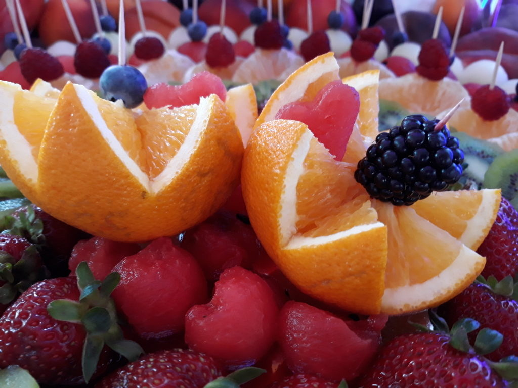 bar owocowy, dekoracje owocowe, fruit carving, ananas, owoce na stoły, Turek, Konin, Koło, Łódź, Warszawa, Poznań