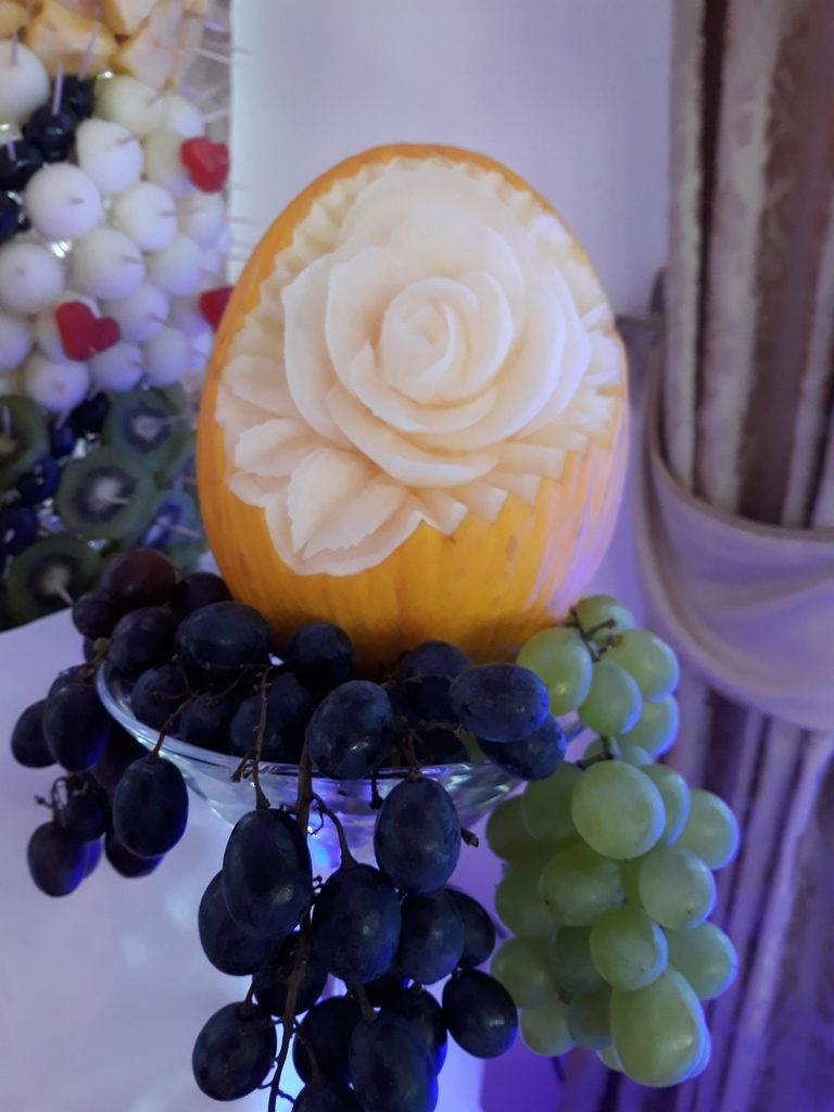 dekoracje owocowe, fruit carving, rzeźbione owoce, owoce na stoły, Turek, Konin, Koło, Łódź, Warszawa, Poznań