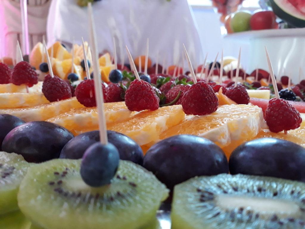 dekoracje owocowe, fruit carving, stół z owocami, fruit bar, owoce na stoły, Turek, Konin, Koło, Łódź, Warszawa, Poznań
