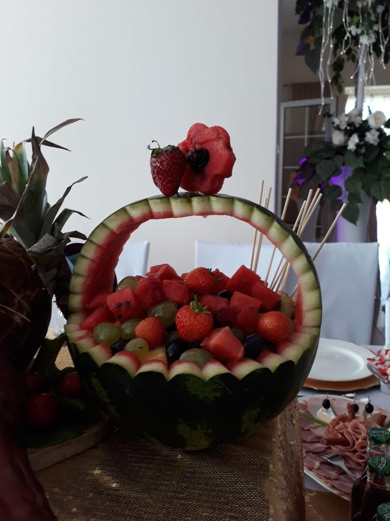 kosz z arbuza, dekoracje owocowe, fruit carving, ananas, owoce na stoły, Turek, Konin, Koło, Łódź, Warszawa, Poznań