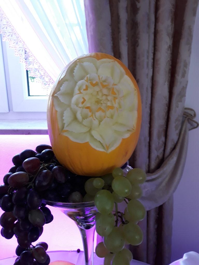 rzeźbione owoce, dekoracje owocowe, fruit carving, ananas, owoce na stoły, Turek, Konin, Koło, Łódź, Warszawa, Poznań