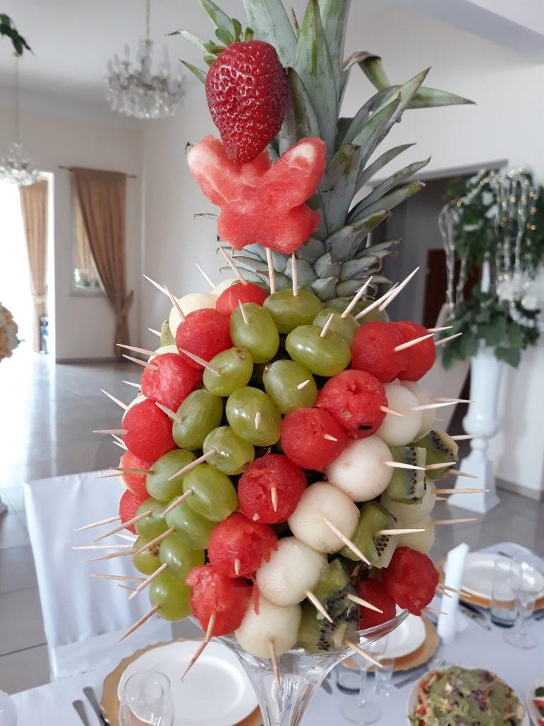 stół owocowy, dekoracje owocowe, fruit carving, ananas, owoce na stoły, Turek, Konin, Koło, Łódź, Warszawa, Poznań