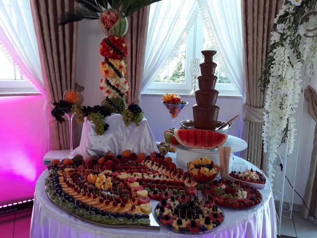 stół z owocami, dekoracje owocowe, fruit carving, fontanna czekoladowa, owoce na stoły, Turek, Konin, Koło, Łódź, Warszawa, Poznań