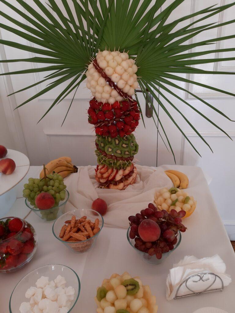 palma owocowa ,fontanna czekoladowa Biały Pałac Konstantynów Łódzki