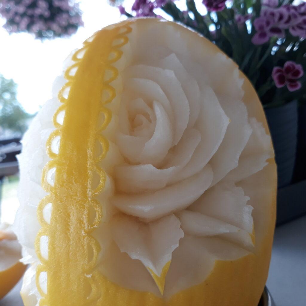 fruit carving, food art, dekoracje owocowe, stół z owocami Turek, Poznań, Łódź, Włocławek