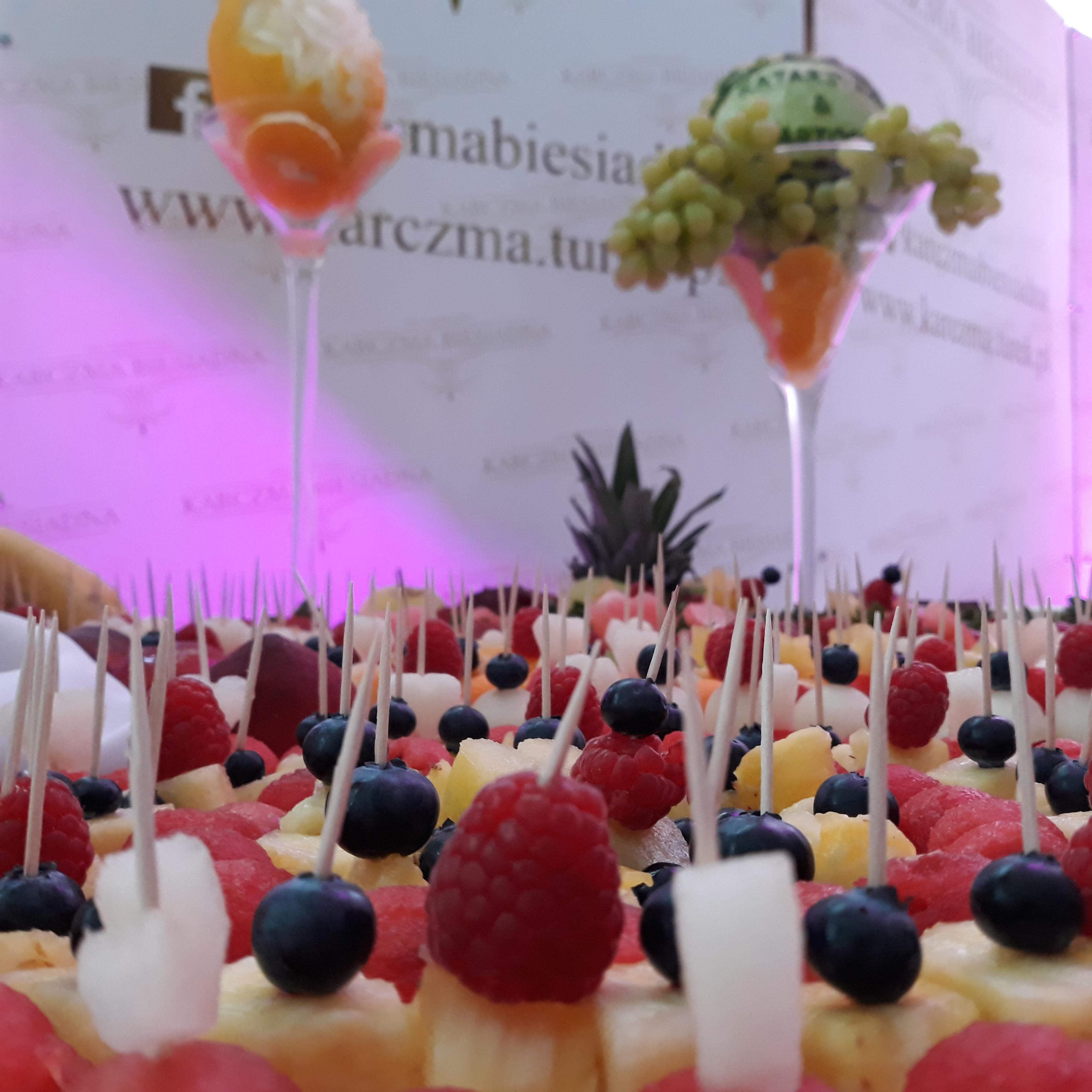 fruit carving, stół owocowy Konin, fruit bar, stół owocowy Turek, stół z owocami Koło, dekoracje owocowe, fruit bar,