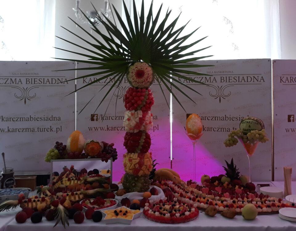 stół owocowy Karczma Biesiadna