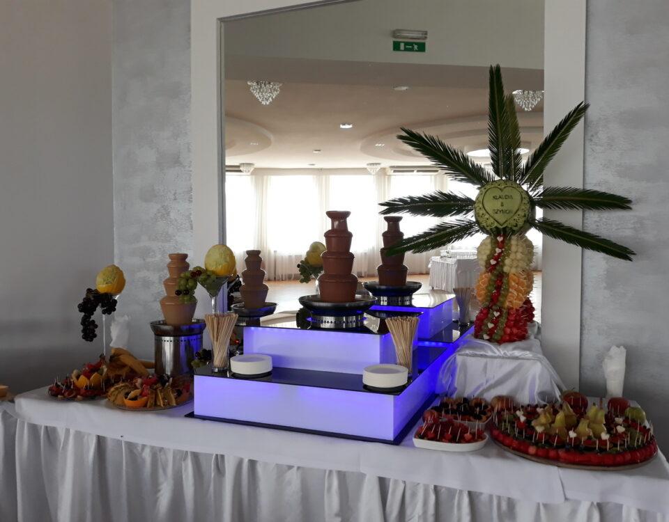 dekoracje owocowe Lisków, stół owocowy, fruit bar, fruit carving, stół z owocami, bufet owocowy, palma owocowa, rzeźbione owoce,