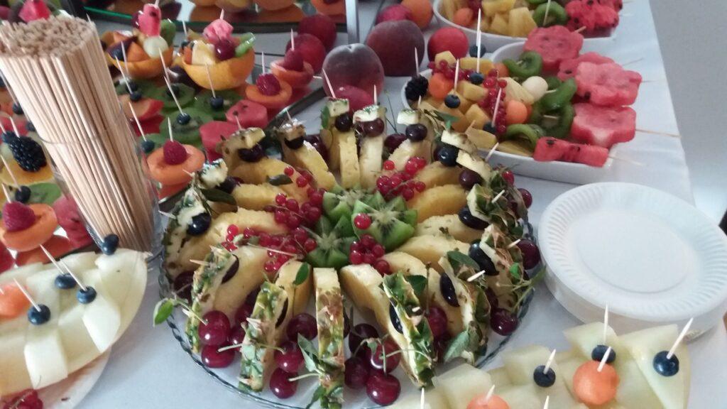 dekoracje owocowe, stół owocowy, fruit carving, fruit bar Zajazd Wielkopolski