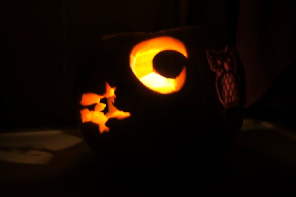 lampion z dyni, fruit carving, dekoracja halloween, dekoracja w dyni, vegetable carving, food art, halloween decortion,