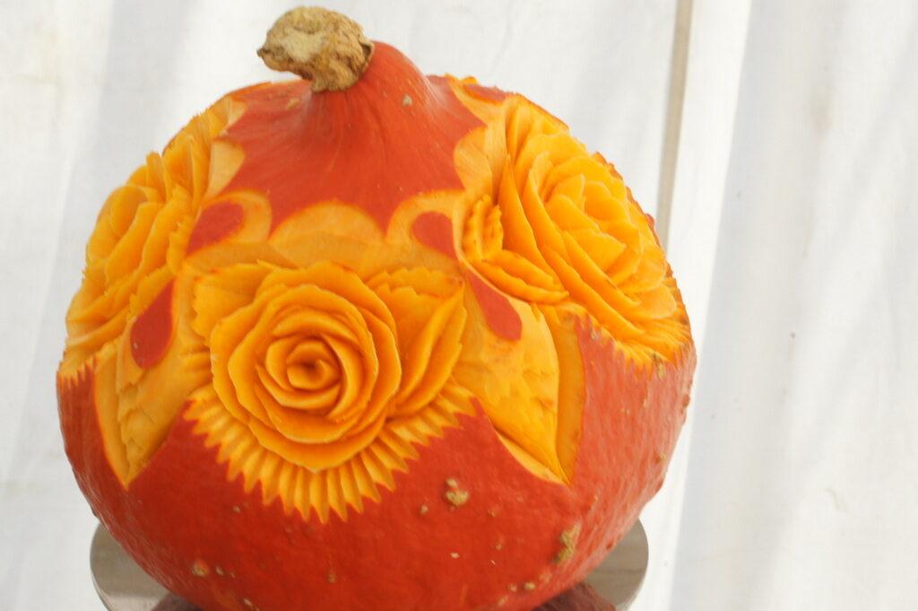 jesienne dekoracje owocowe i warzywne